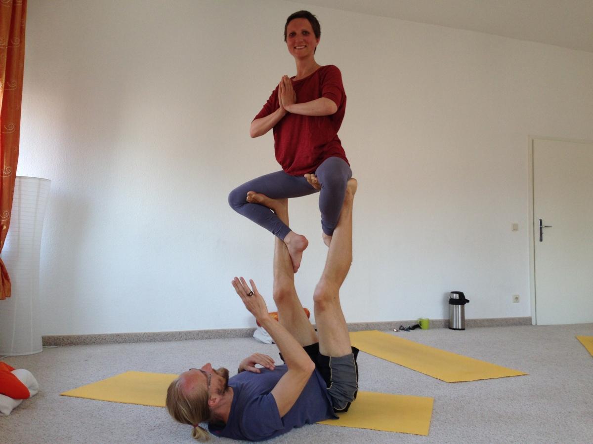 Akrobatik und Yoga/Acroyoga