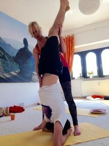 Acroyoga, Yogahandstand